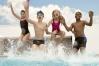 Anul școlar bate la ușă. Echipați-vă copii pentru înotul în timpul anului școlar!